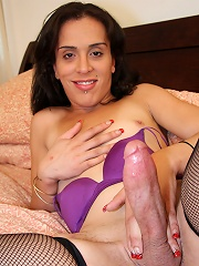 Michelle is a horny tgirl fr...