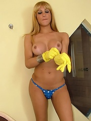 Blonde shemale Oils it up an...