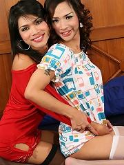 2 tgirls keep their stocking...