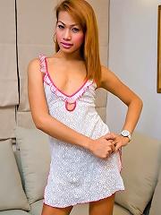 Asian t-girl Monika puts on ...