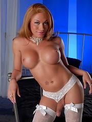 Hot TS Mia Isabella posing i...