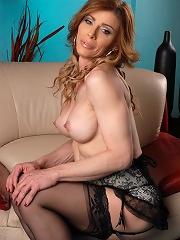 Irresistible TMILF Jasmine J...
