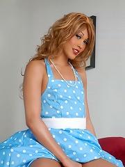 Hot TS sweetie Giselle Milan...