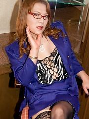 Hot 28 year old new-half wit...
